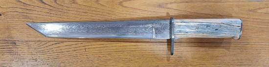 Couteau de camp